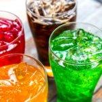 Kindergeburtstag auf der Kegelbahn mit lustigen Getränken